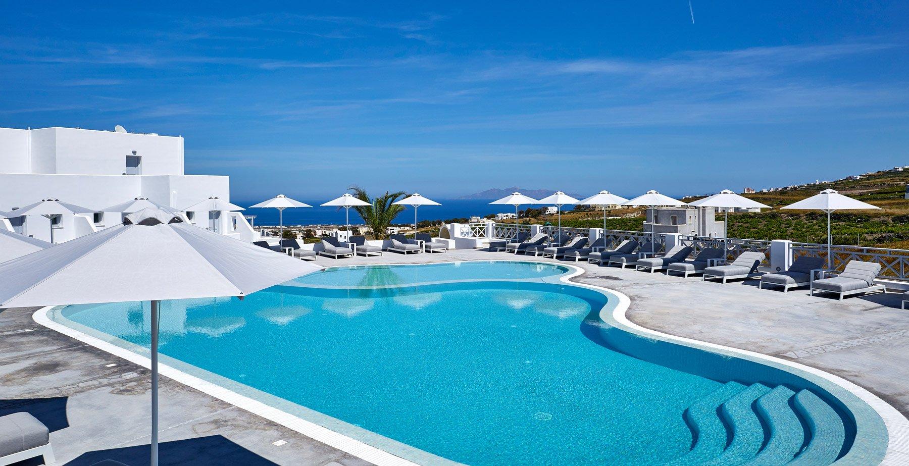 De Sol Pool and Bar